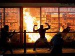 一張20元假鈔引發的命案 美黑人男子遭警察暴力執法死亡 致數千人暴亂縱火搶劫超市