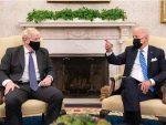 拜登會見英首相時失禁?這事太搞笑!